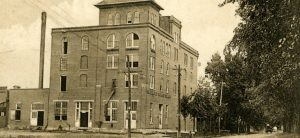 Grand Rapids Brewing Company, circa 1908. (Photo: South Wood County Historical Corporation)