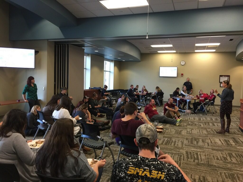 hunger banquet Usm voices: hunger banquet teaches all to be thankful posted november 22,  2017 food at feed hope here at usm, we have many voices that make up our .